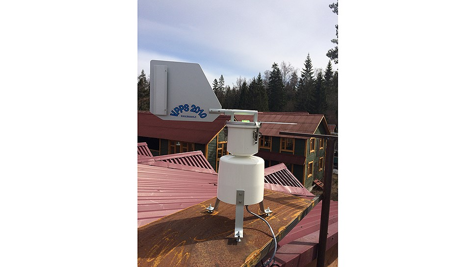 Пыльцевая ловушка, установленная на территории метеостанции МГУ