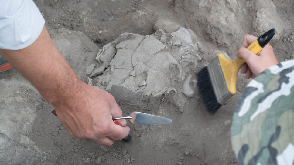 Раскопки Лома Атауальпа. Найдено древнее погребение