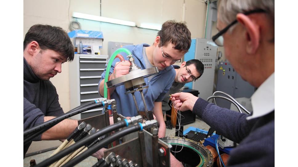 Схематическое изображение реакции поглощения нейтрона бором-10