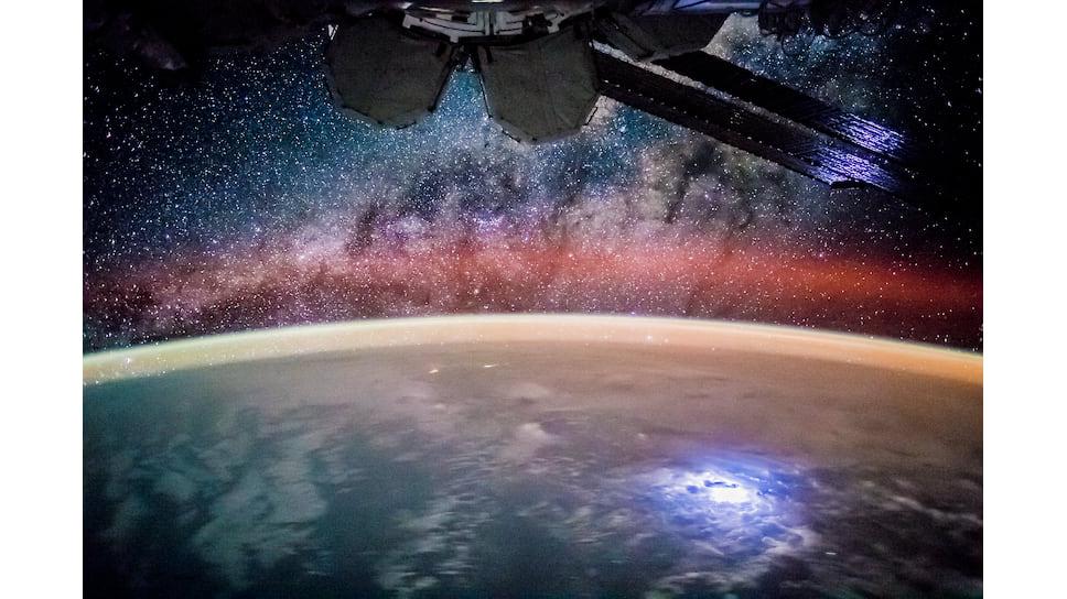 Какой была Вселенная до горячей стадии