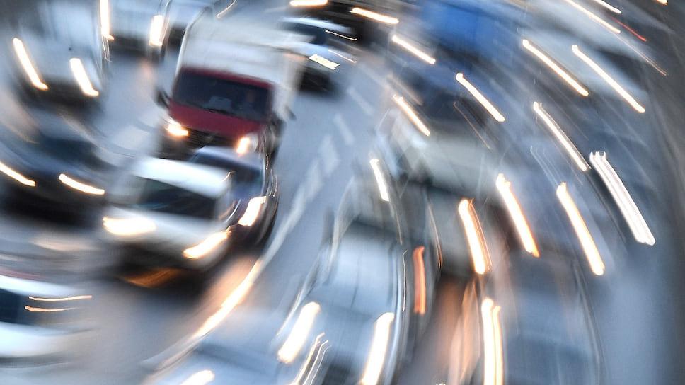 Как и почему образуются пробки на дорогах