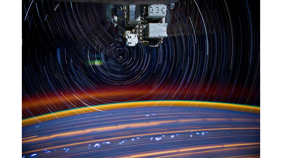 Спутники соединит оптический мост