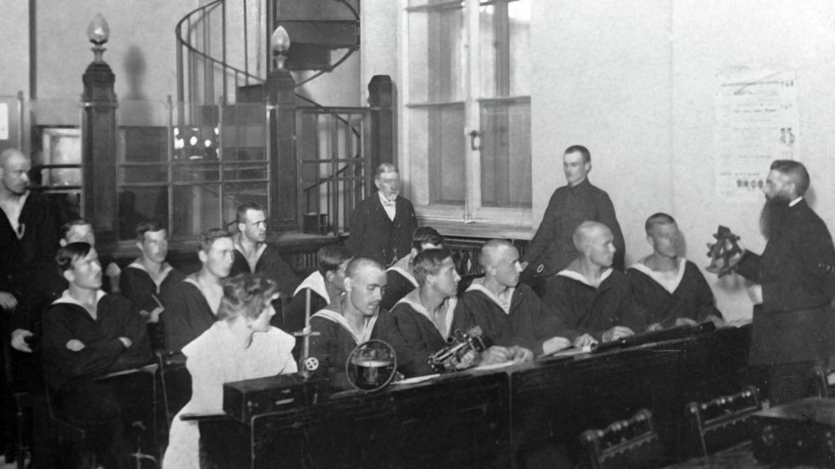 100 лет назад: реорганизация вузов республики