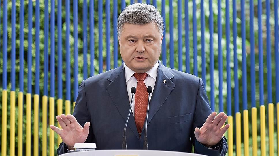 Петр Порошенко назвал фантазиями обвинения в адрес Украины в подготовке терактов в Крыму