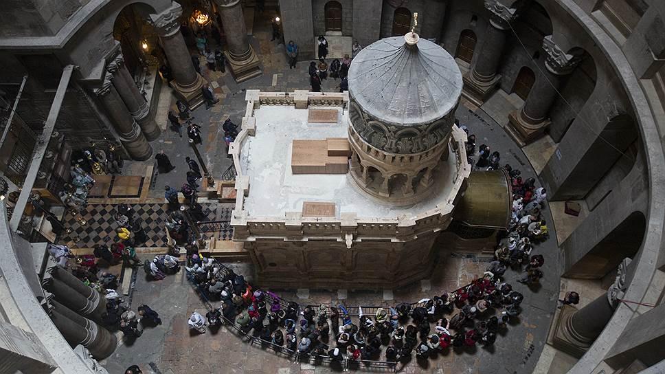 В храме Гроба Господня в Иерусалиме завершилась реставрация часовни -  Новости – Общество – Коммерсантъ