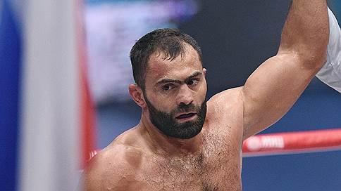 Олимпийский чемпион по боксу Рахим Чахкиев завершил карьеру