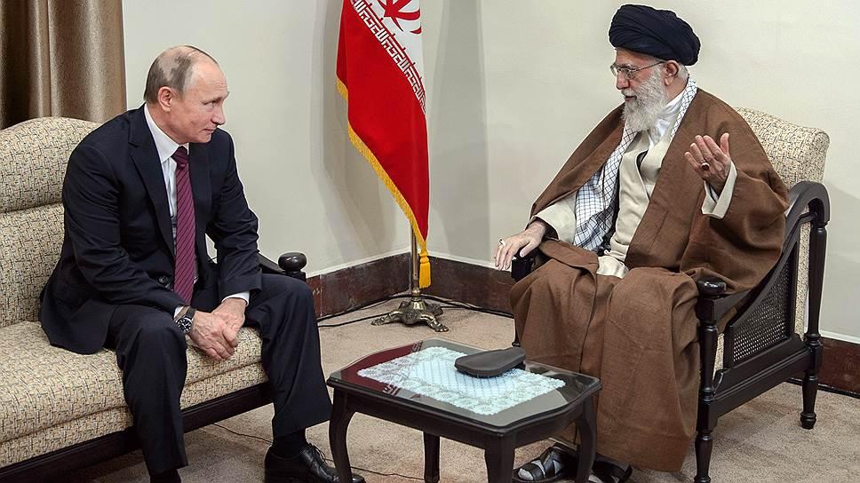 Президент России Владимир Путин и духовный лидер Ирана аятолла Али Хаменеи