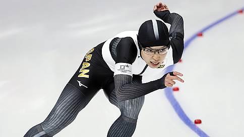 Японская конькобежка выиграла золото Олимпиады на дистанции 500 м