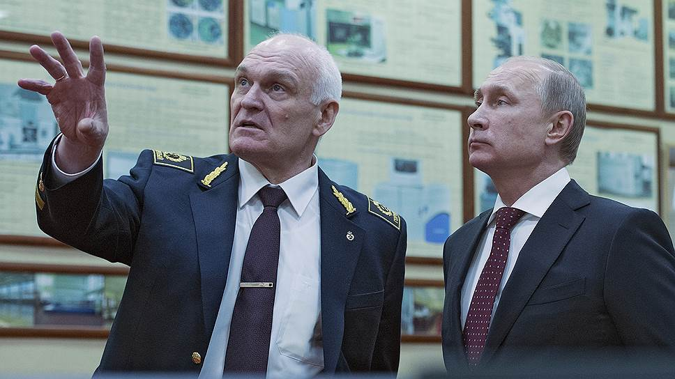 Ректор Горного университета Владимир Литвиненко и президент России Владимир Путин