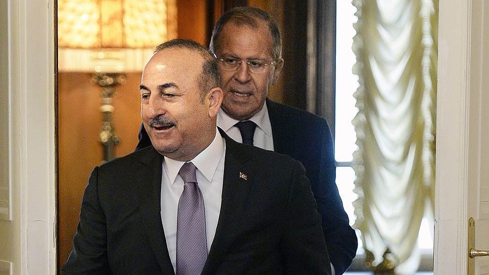 Сергей Лавров и Мевлют Чавушоглу обсудили действия США в Сирии