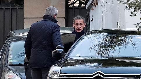 Экс-президента Франции Саркози допросили и отпустили из-под стражи