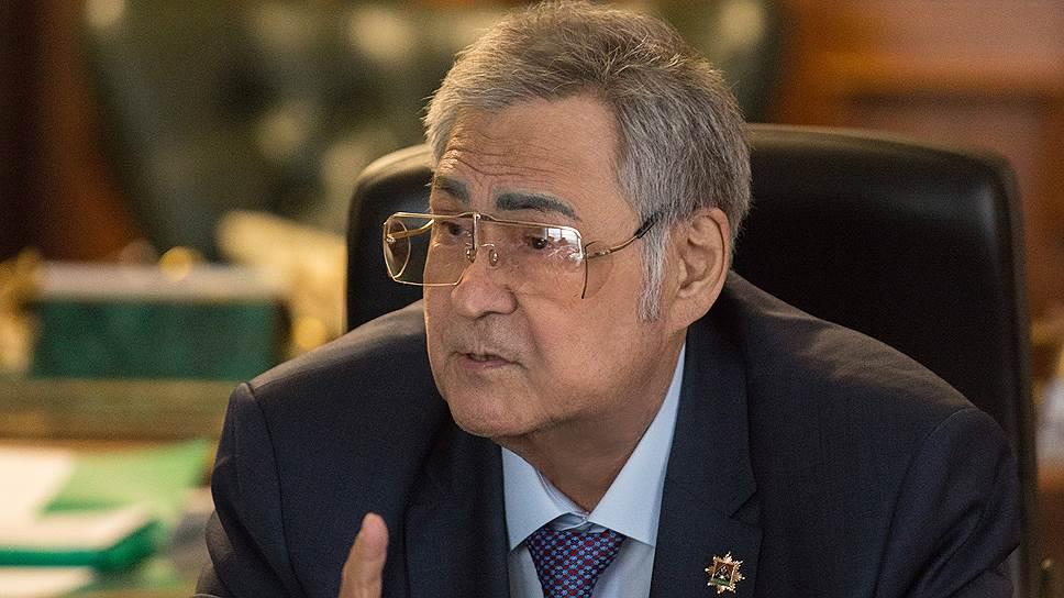 Спикер облсовета Кемеровской области Аман Тулеев
