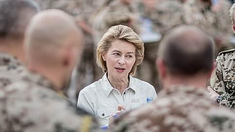 Министр обороны Германии выступила за ужесточение курса против России