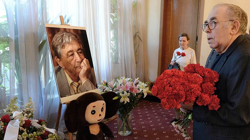 Актер Михаил Левенгук