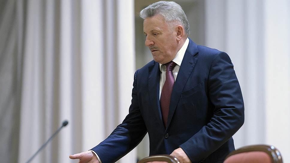 Проигравший во втором туре выборов главы Хабаровского края губернатор Вячеслав Шпорт