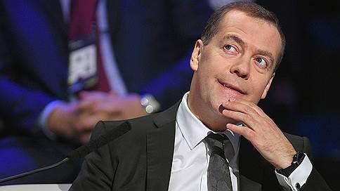 Дмитрий Медведев назвал «торговой войной» санкции против банковского сектора