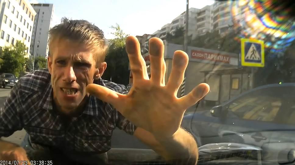 Кадр из документального фильма «Дорога» (The Road Movie)