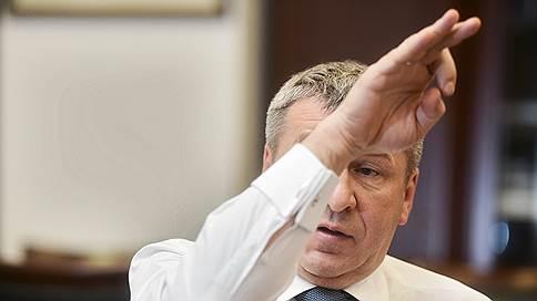 Вице-губернатор Петербурга Албин придумал клюющего крышу стадиона баклана, чтобы отвлечь внимание