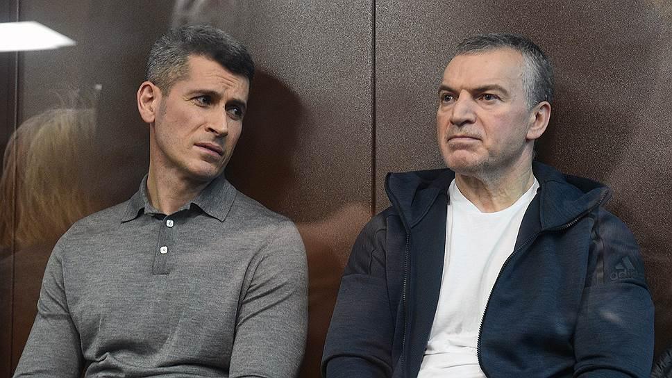 Совладелец группы компаний «Сумма» Зиявудин Магомедов и генеральный директор ООО «Интекс» Артур Максидов