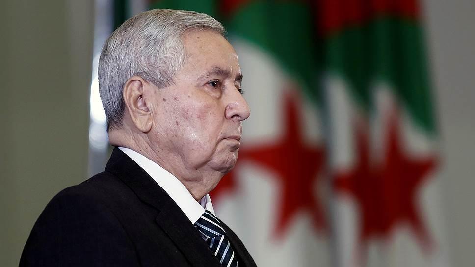Временный президент Алжира  Абделькадер Бенсалех