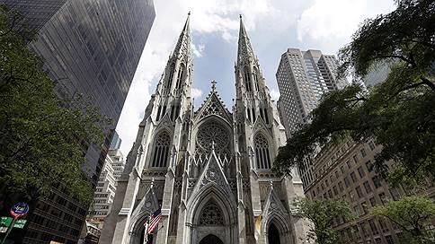 Полиция Нью-Йорка задержала в соборе Святого Патрика мужчину с канистрами бензина