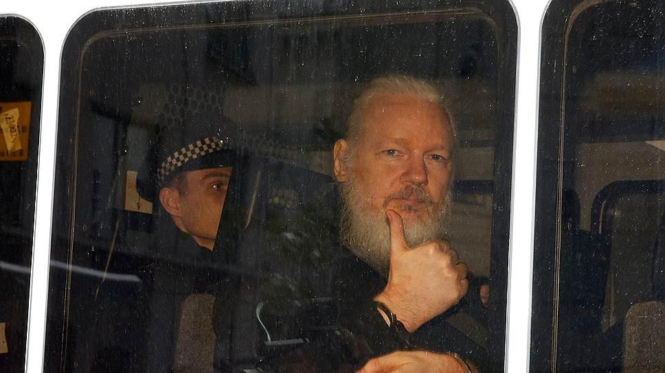 Основатель организации WikiLeaks Джулиан Ассанж
