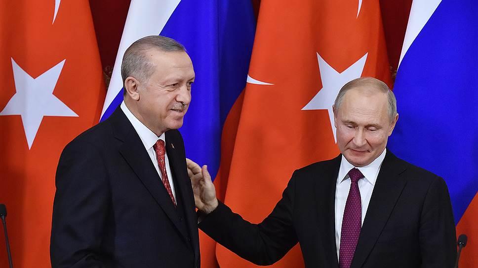 Президенты Турции и России Реджеп Тайип Эрдоган (слева) и Владимир Путин