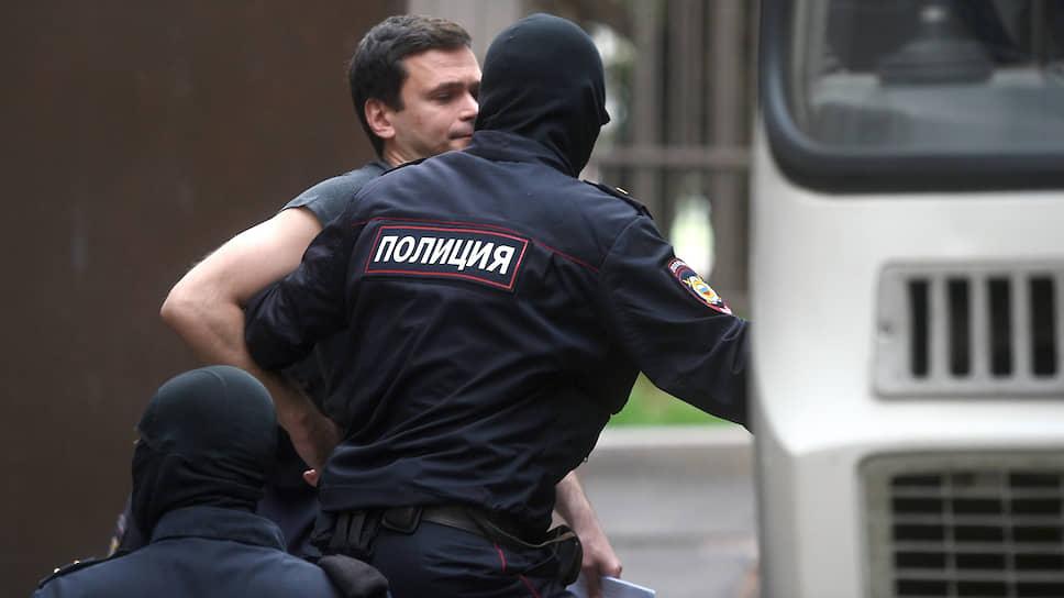 Глава совета депутатов Красносельского района Илья Яшин