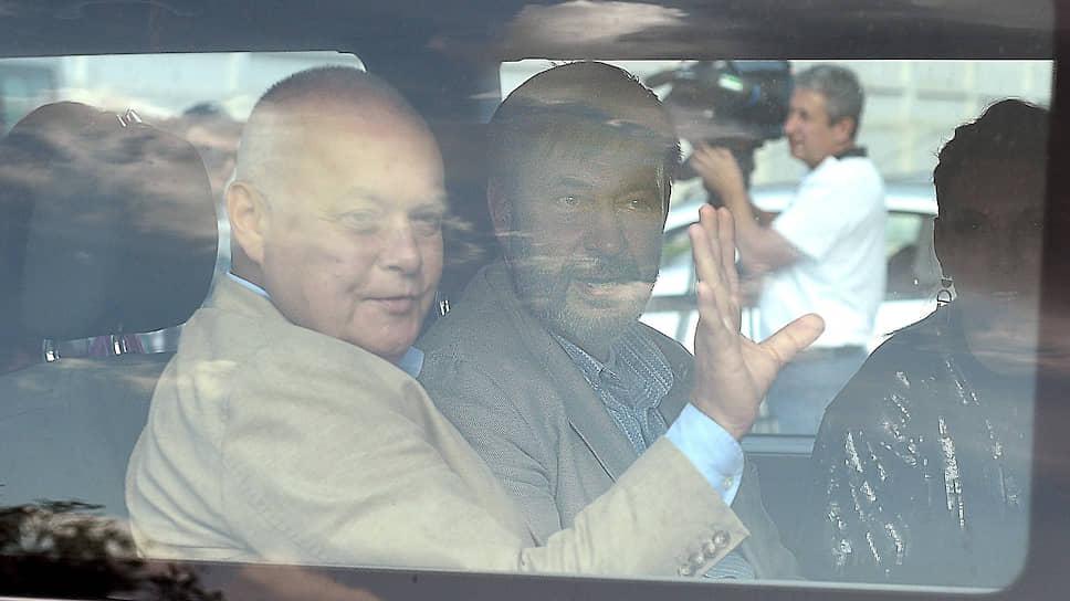Гендиректор МИА «Россия сегодня» Дмитрий Киселев (слева) и руководитель портала «РИА Новости» Кирилл Вышинский