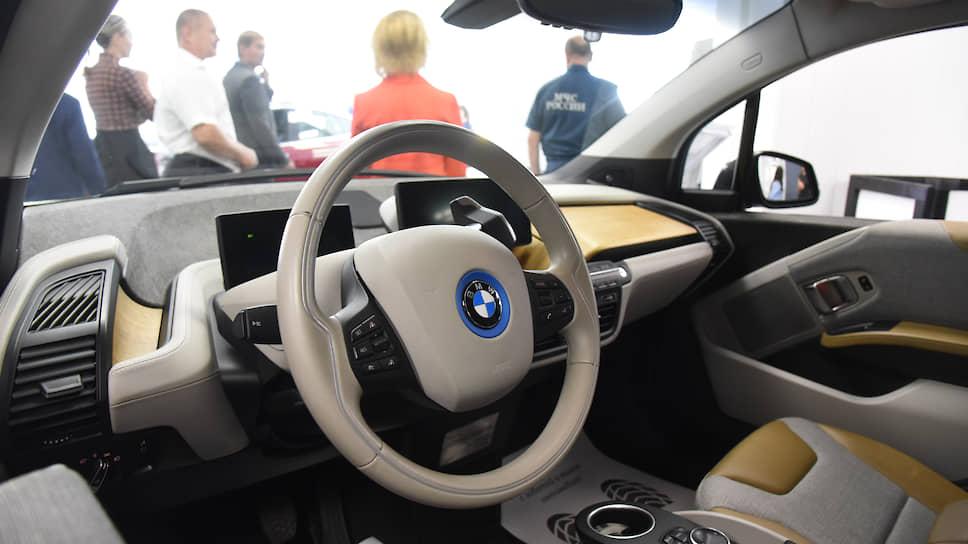 Салон эектромобиля BMW i3