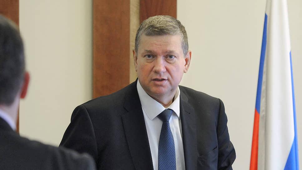 Вице-спикер Совета федерации России Евгений Бушмин