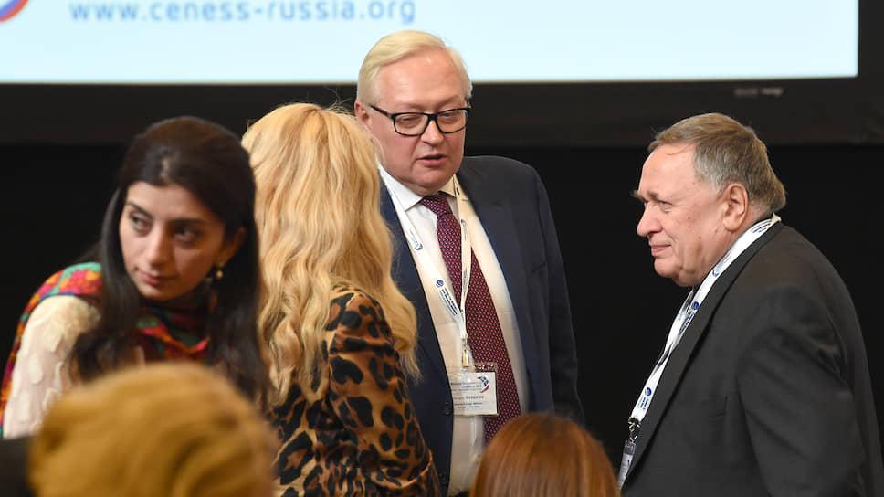 МИД РФ: Договор о СНВ нельзя автоматически распространять на новейшие вооружения
