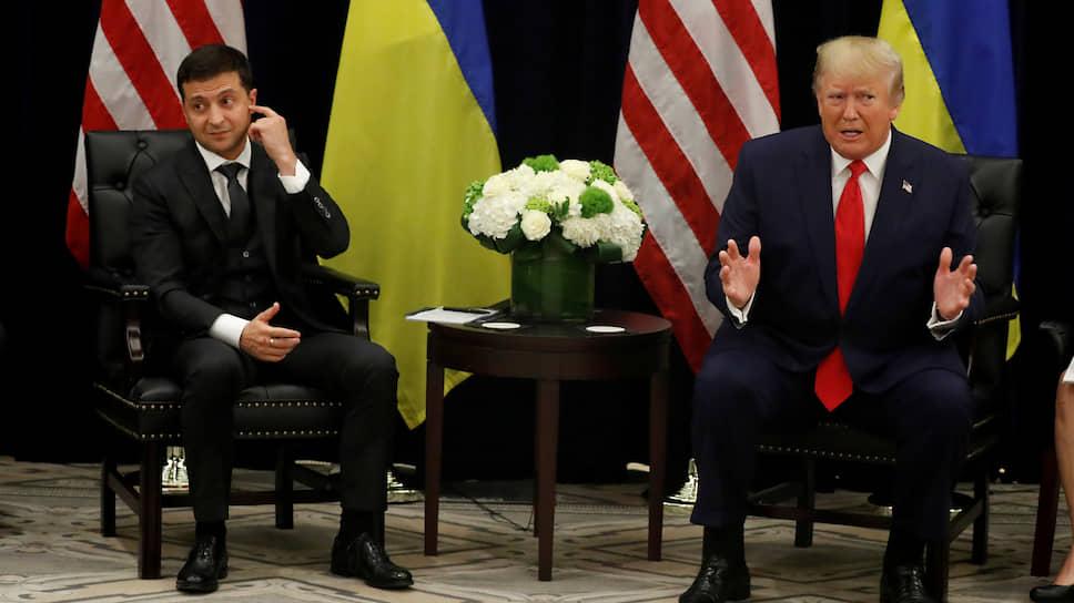 Президенты Украины и США Владимир Зеленский (слева) и Дональд Трамп