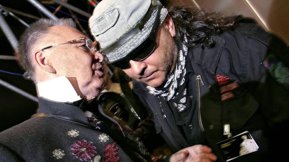 Модельер Вячеслав Зайцев (слева) и дизайнер Егор Зайцев