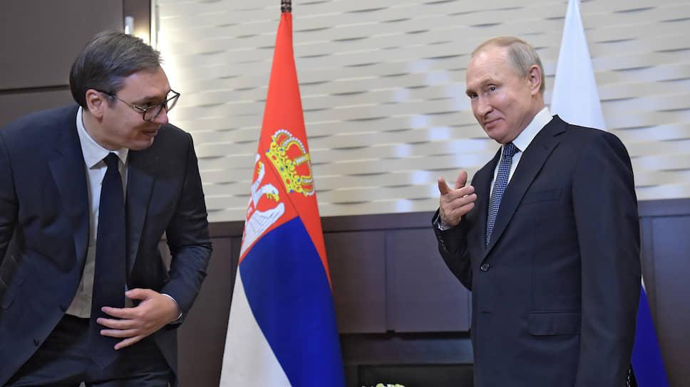 Президенты Сербии и России Александр Вучич (слева) и Владимир Путин