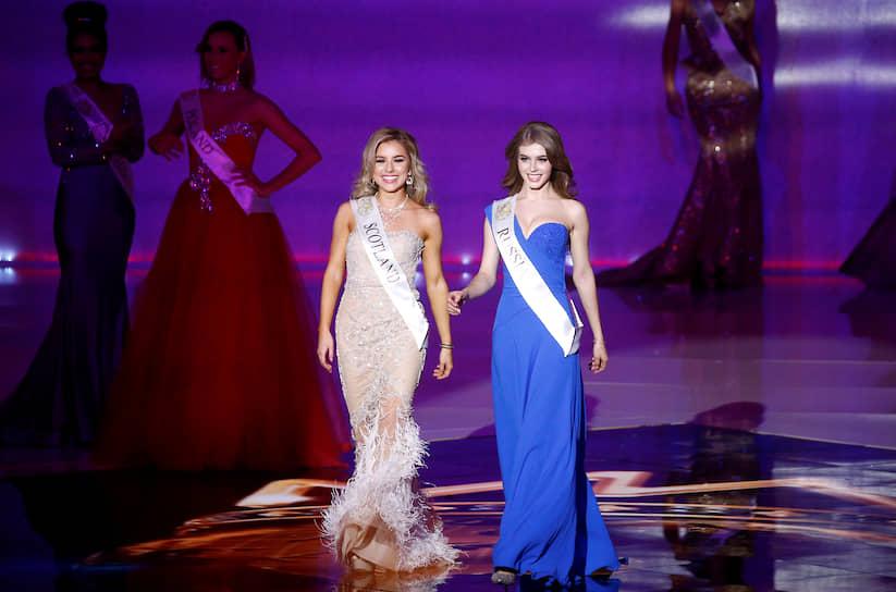 Россиянка Алина Санько (справа) и Керин Мэтью из Шотландии