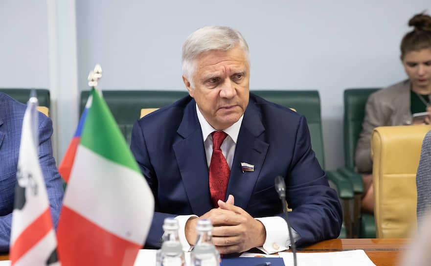 Сенатор от Калужской области Юрий Волков