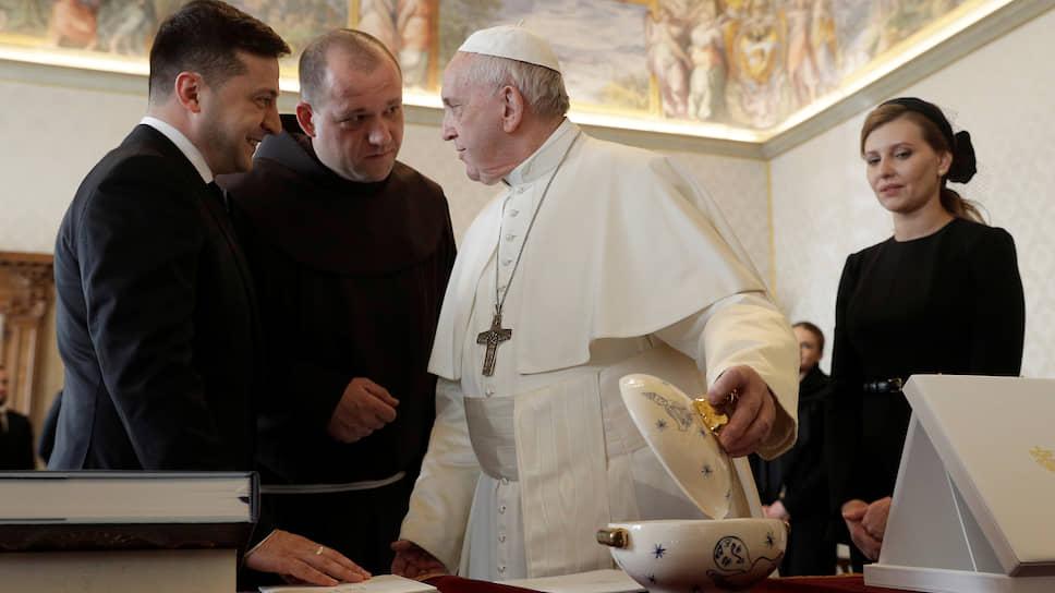 Президент Украины Владимир Зеленский и папа римский Франциск