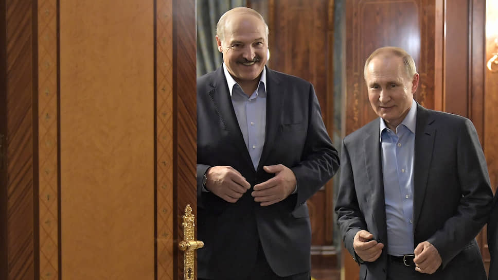 Президент Белоруссии Александр Лукашенко (слева) и президент России Владимир Путин