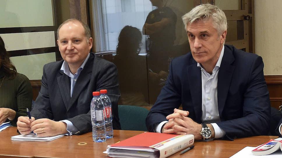 Основатель инвестиционной компании Baring Vostok Майкл Калви (справа)