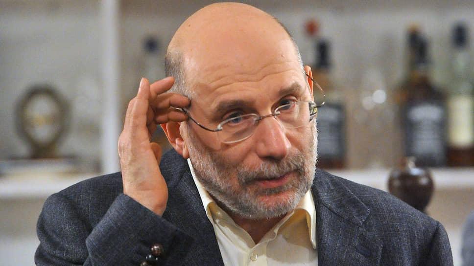Писатель Борис Акунин