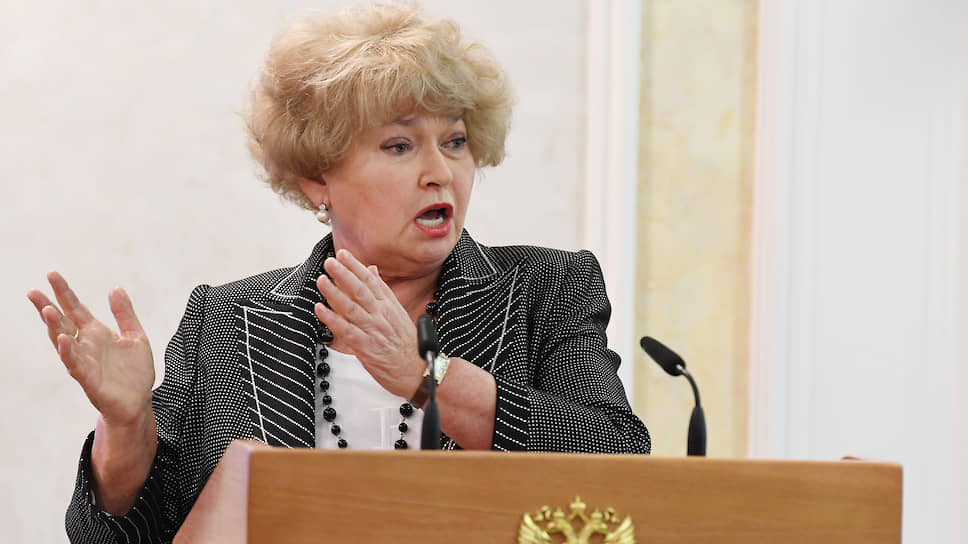 Сенатор от Тывы Людмила Нарусова