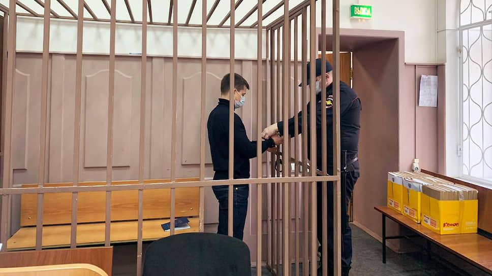 Старший следователь по особо важным делам полковник юстиции Брянцев