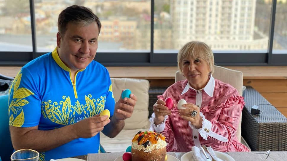 Экс-президент Грузии Михаил Саакашвили и его мать Гиули Аласания