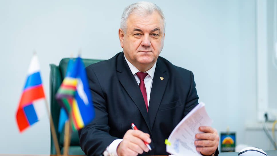 Мэр города Оха Сергей Гусев