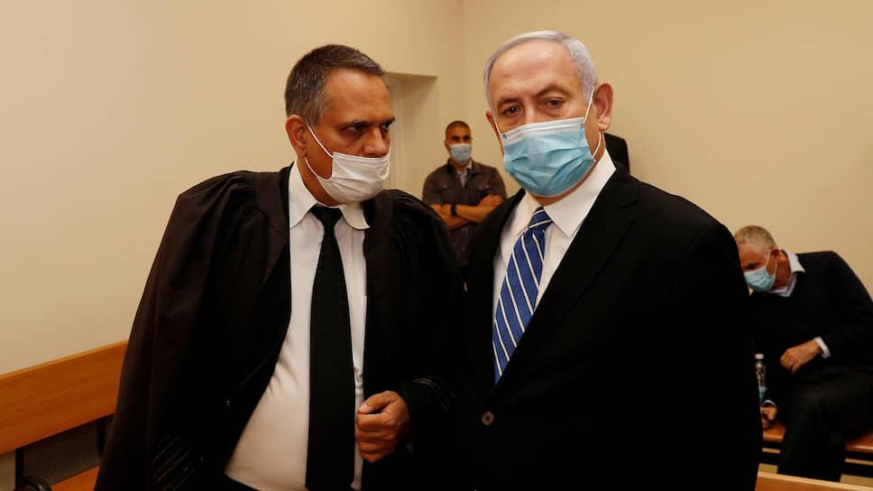 Премьер-министр Израиля Биньямин Нетаньяху (справа)