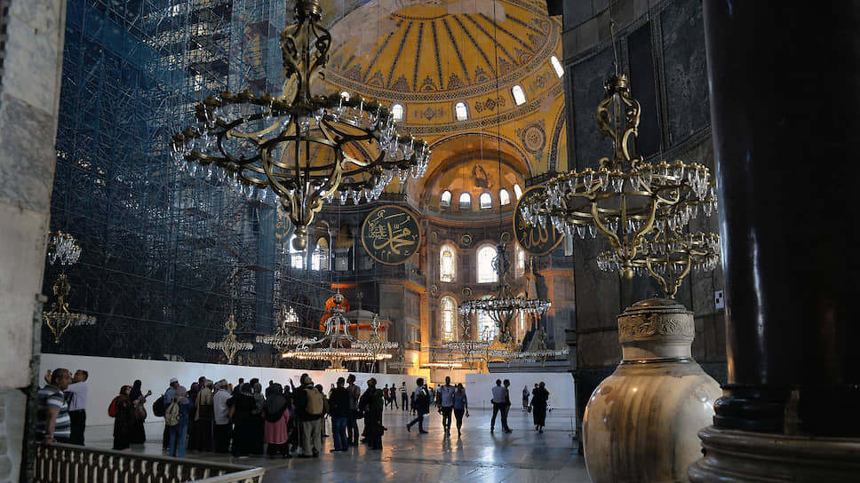 Внутреннее убранство собора Святой Софии