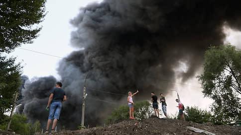 В Самаре больше 120 человек тушат крупный пожар на лакокрасочном складе