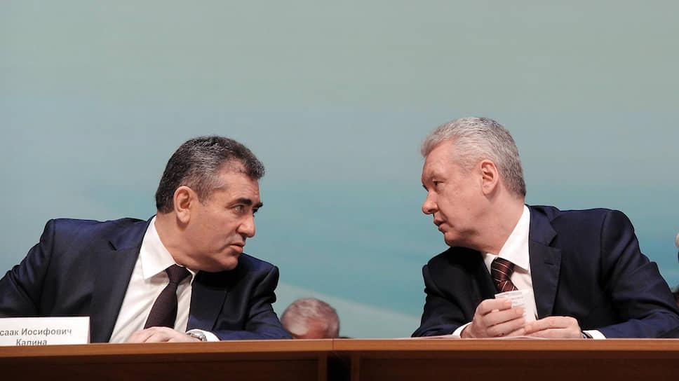 Бывший руководитель департамента образования Москвы Исаак Калина (слева) и мэр Сергей Собянин
