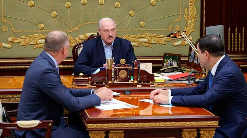 Слева направо: председатель Следственного комитета Белоруссии Иван Носкевич, президент Белоруссии Александр Лукашенко и председатель КГБ Валерий Вакульчик